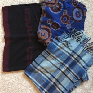 Accessories - 3 scarves one price☀️